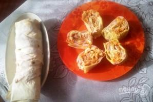 Рулет из лаваша с сыром, ветчиной и морковкой - фото шаг 6