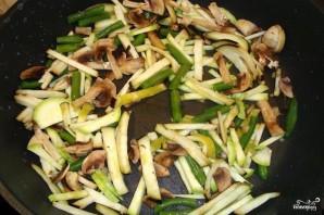 Гречневая лапша с овощами и креветками - фото шаг 4