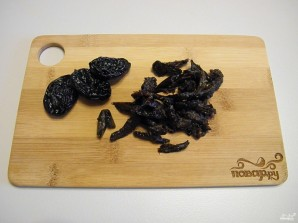 Салат из курицы с черносливом - фото шаг 3