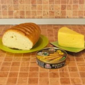 Горячие бутерброды со шпротами - фото шаг 1