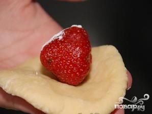 Паровые творожные вареники с клубникой - фото шаг 4