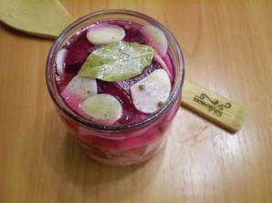 Маринованная капуста со свеклой и чесноком - фото шаг 8