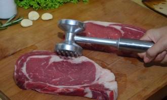 Мясо на сковороде-гриль - фото шаг 1
