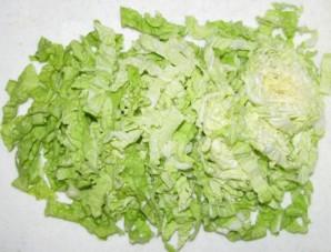 Простой салат из китайской капусты - фото шаг 1