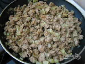Пирог-перевертыш с грибами, фаршем и рисом - фото шаг 5