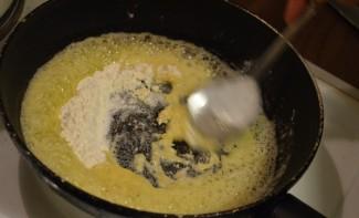 Сливочно-сырный соус - фото шаг 1