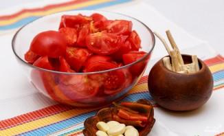 Аджика из помидоров без уксуса - фото шаг 1