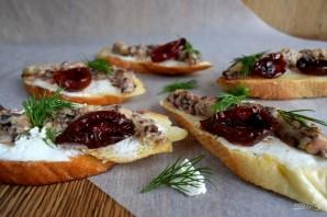 Брускетта с сардинами и сливочным сыром - фото шаг 4
