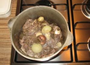 Баранина в казане с картошкой   - фото шаг 3