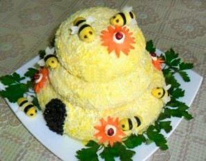 "Салат ""Пчелиный домик"" - фото шаг 5"