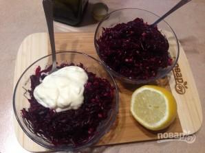 Свекольный салат с чесноком и орехами - фото шаг 6