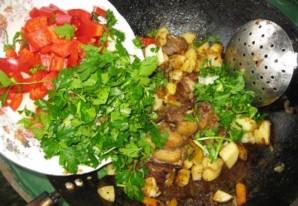 Бараньи ребрышки с картошкой тушеные   - фото шаг 9
