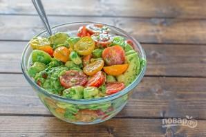 Салат из авокадо и помидоров - фото шаг 5