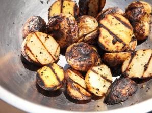 Картофельные дольки в специях - фото шаг 6