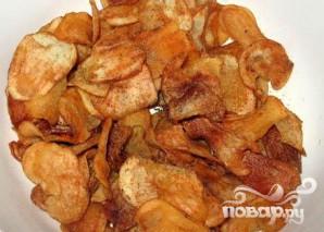 Картофельные чипсы с куриной приправой и тмином - фото шаг 5