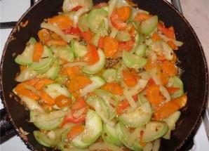 Курица с кабачками и картошкой - фото шаг 4