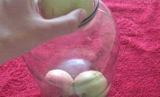 Яблоки консервированные целиком - фото шаг 3
