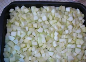Кабачки с грудкой в духовке - фото шаг 1
