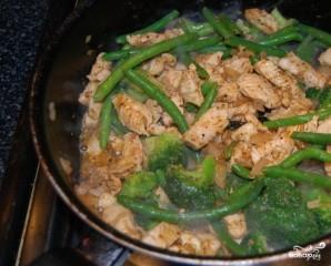Куриная грудка с брокколи в сливочном соусе - фото шаг 2