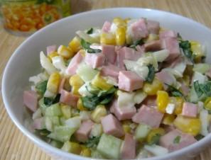 Салат с колбасой вареной - фото шаг 6