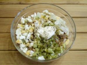 Салат с килькой в томате - фото шаг 4