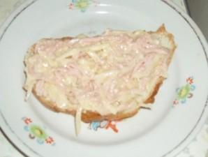 Бутерброды с колбасой и картошкой - фото шаг 6