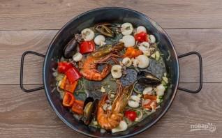 Испанская паэлья с морепродуктами - фото шаг 5