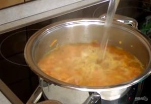 Суп чечевичный в хлебных мисках - фото шаг 3