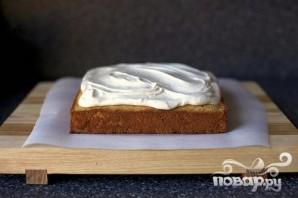 Пирог с яблочным соусом и сливочной глазурью - фото шаг 4