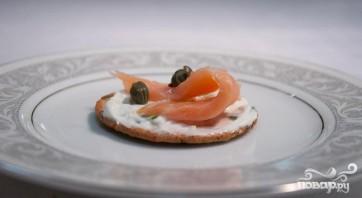 Закуска с лососем и каперсами - фото шаг 4