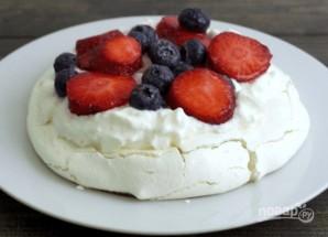 Воздушный десерт с ягодами - фото шаг 4