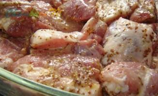 Свинина в духовке с горчицей - фото шаг 2