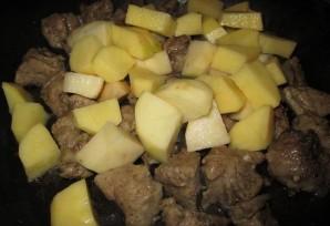 Свинина с капустой и картошкой - фото шаг 3