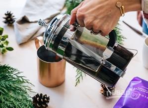 Кофе с виски и молоком - фото шаг 2
