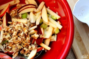Салат из свежих яблок - фото шаг 5