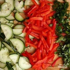 Салат с рисовой лапшой и овощами - фото шаг 3
