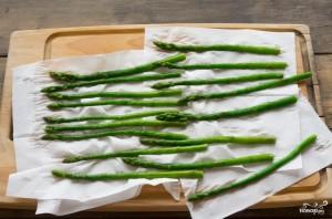 Теплый салат со спаржей - фото шаг 3