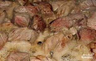 Азу из свинины в горшочках - фото шаг 3