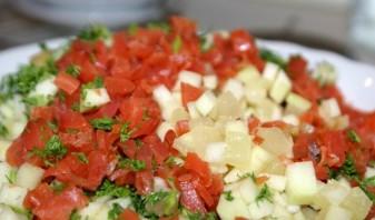 Салат с соленой красной рыбой - фото шаг 3
