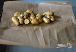 Картофель, запеченный с розмарином и чесноком - фото шаг 3