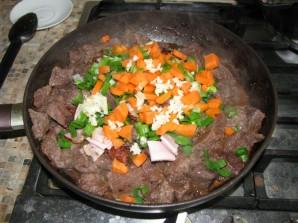 Мягкая говядина на сковороде - фото шаг 4