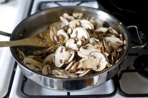 Яйца, запеченные с грибами и шпинатом - фото шаг 3