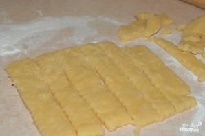 Сырное печенье с кунжутом - фото шаг 7