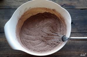 Шоколадный торт с голубикой - фото шаг 2