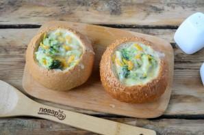 Сырный суп с брокколи в булочках - фото шаг 9