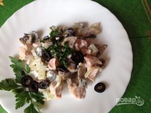 Салат с грибами и куриной грудкой - фото шаг 9