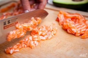 Тартар из лосося с авокадо - фото шаг 6