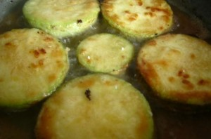 Жареные кабачки с сыром - фото шаг 3