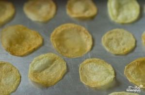 Картофельные чипсы в духовке без масла - фото шаг 8