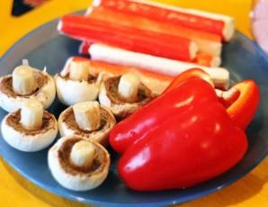Салат с перцем и грибами - фото шаг 1
